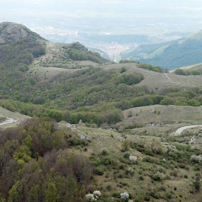 връх Кутелка, сниман от връх Българка на 120 м височина.